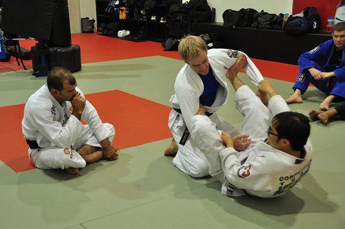 Leg_defense_jiu-jitsu